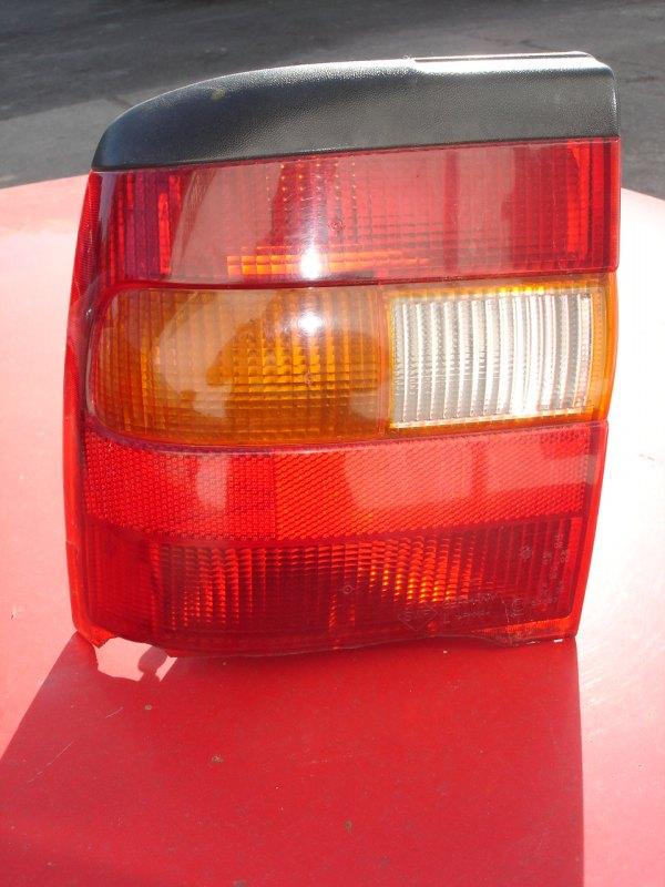 Opel Vectra A lampa lewy tył sedan SWF